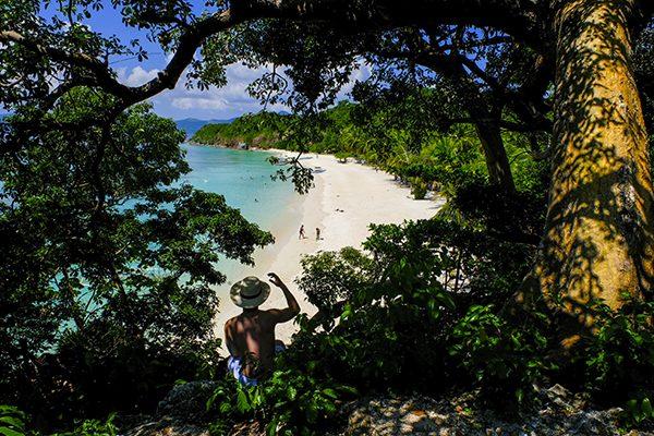 Keindahan pasir putih di Malcapuya Island, Coron (Foto: @AriAmphibia)