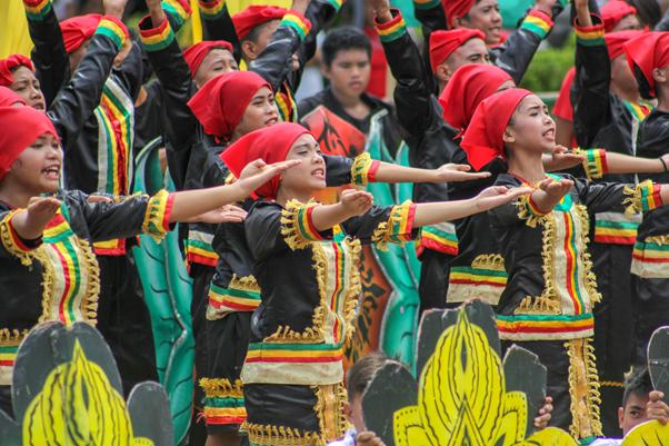 Pelajar di Filipina merayakan Festival Pas'ungko