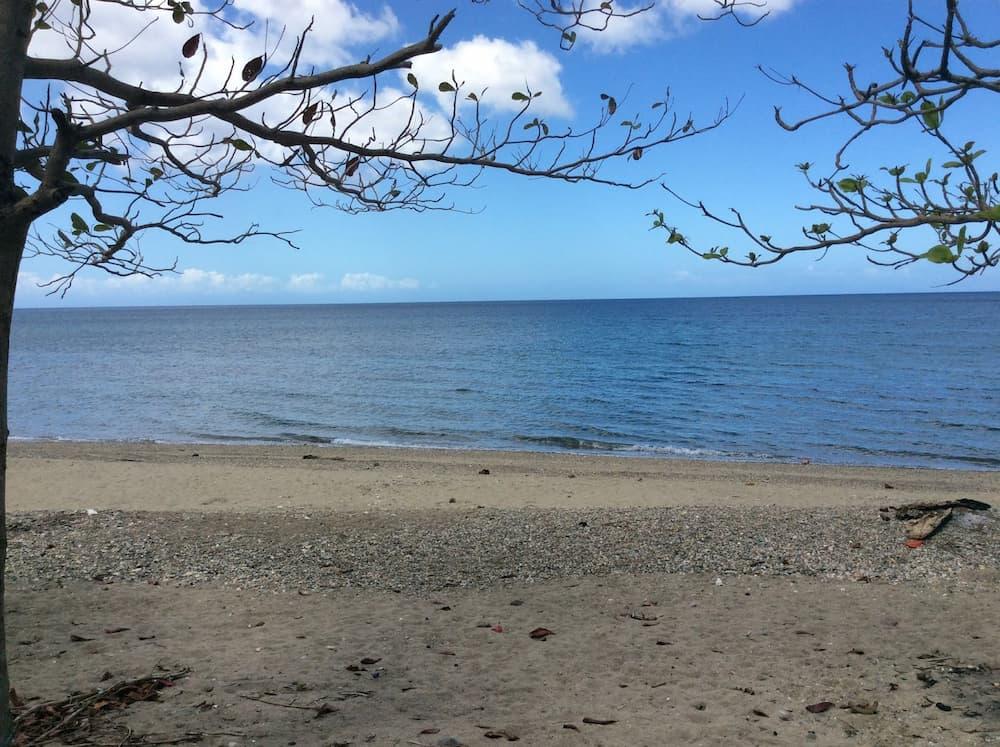 Pantai Amoingon