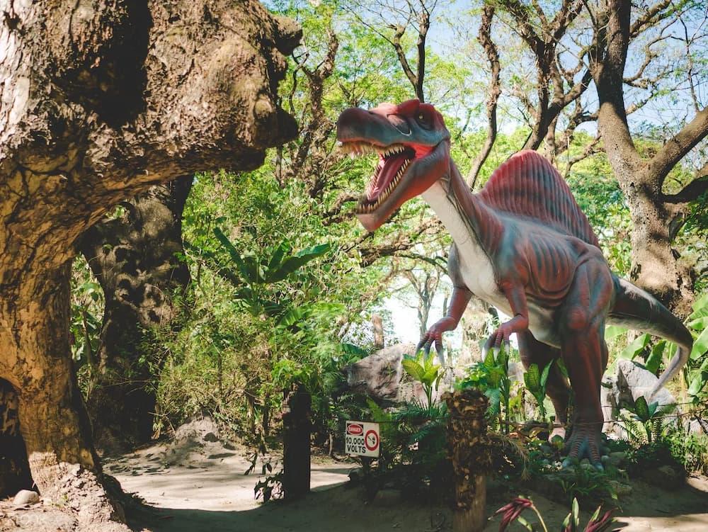 Pulau Dinosaurus di Clarkland