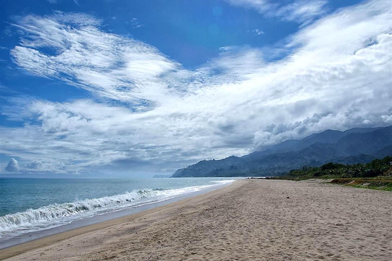 Pantai Dinadiawan