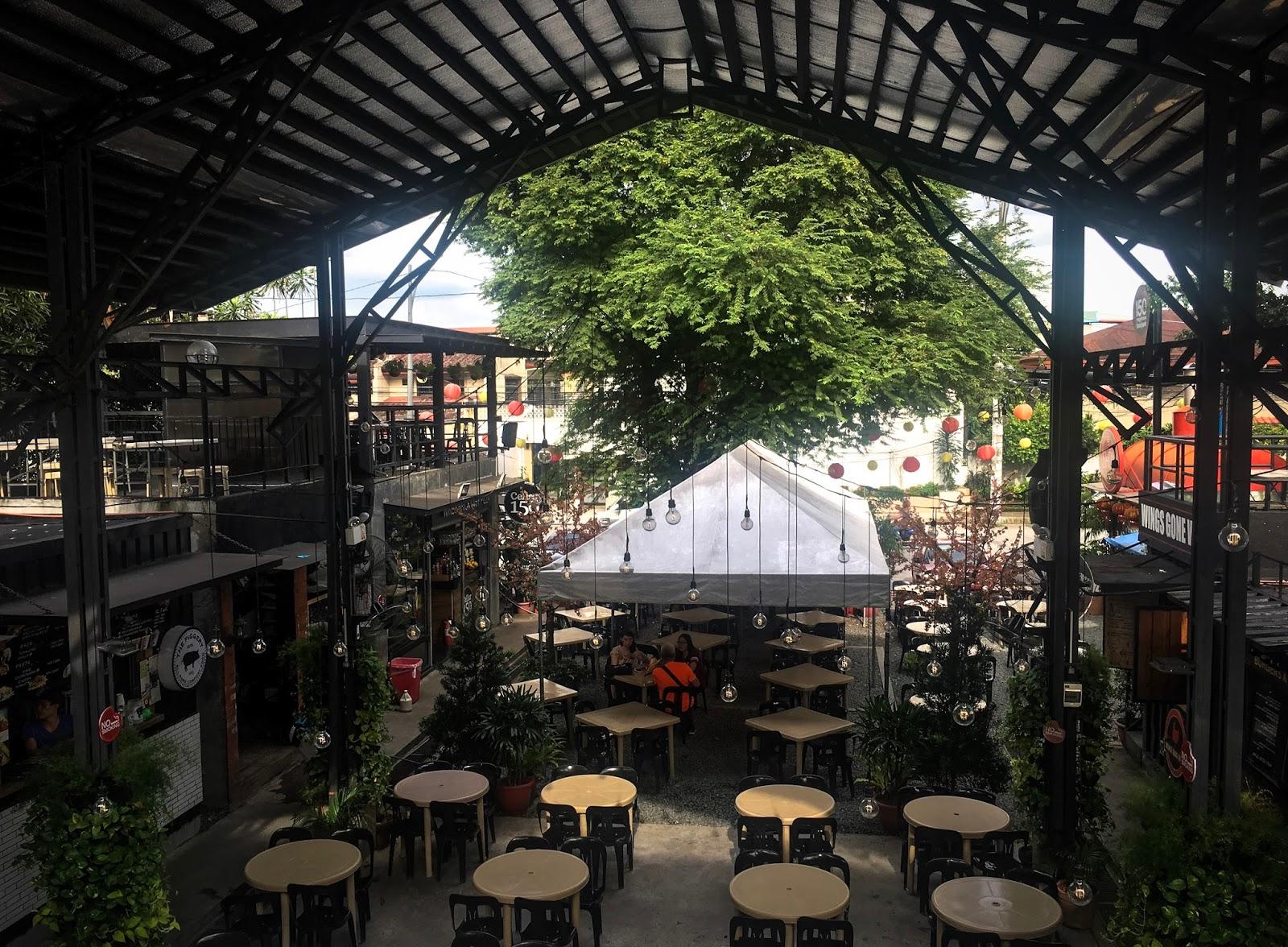 UP Pusat Seni dan Makanan Maginhawa (Kota Quezon)