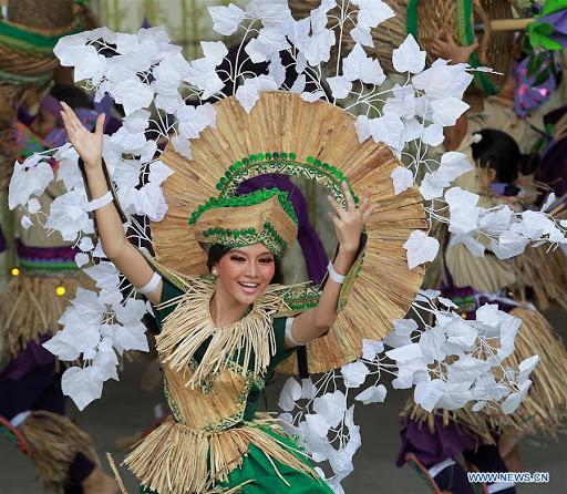 Festival Bunga Lili Air (Kota Las Piñas)